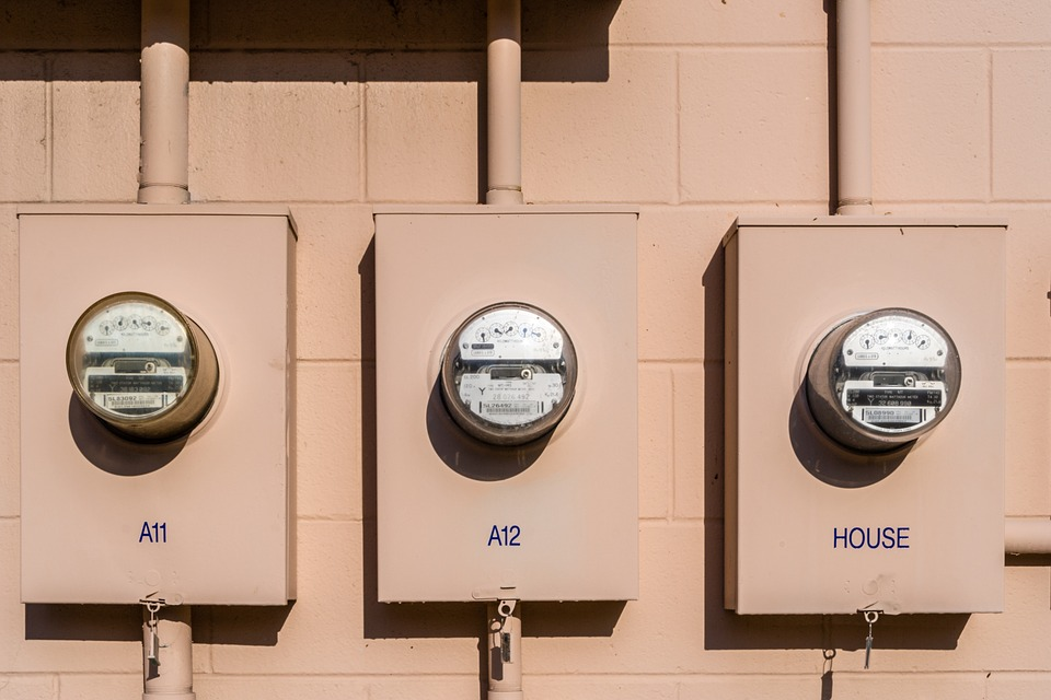 image - 5 Factors to Consider When Comparing Electric Suppliers to Hire for Your Home