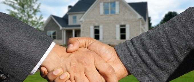 Becoming a Real Estate Agent: The Things You Should Do to Succeed