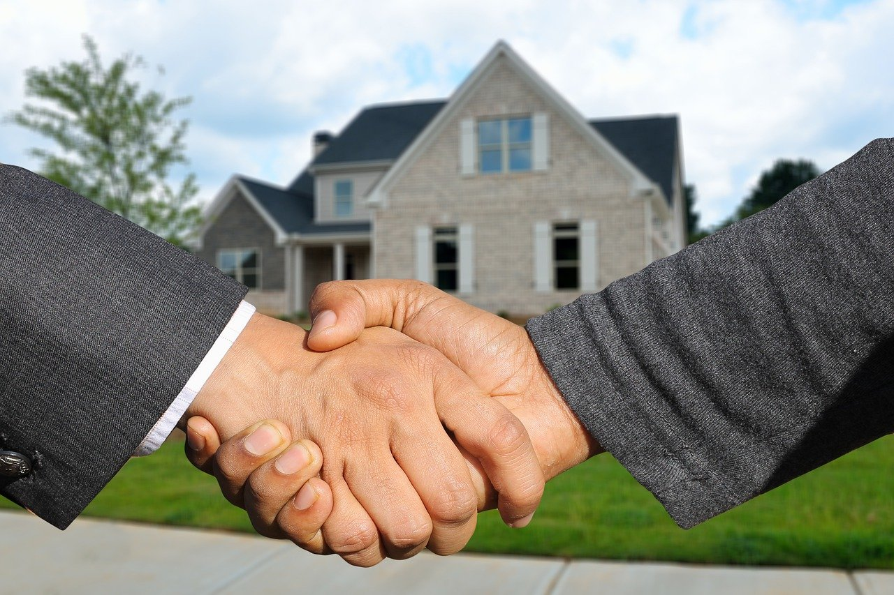 image - Becoming a Real Estate Agent: The Things You Should Do to Succeed