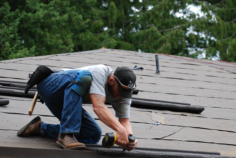 image - 5 Distinct Benefits of Hiring A Local Roofing Contractor