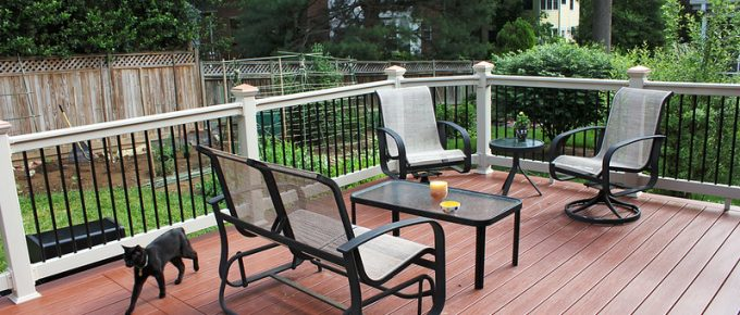 How to Create A Beautiful Backyard with Composite Decking?