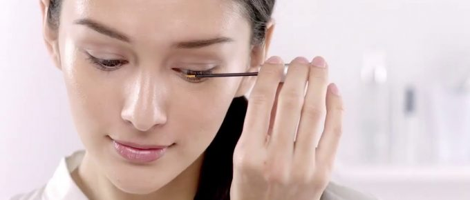 The Safe Way to Apply Lash Serum for Effective Lash Boost