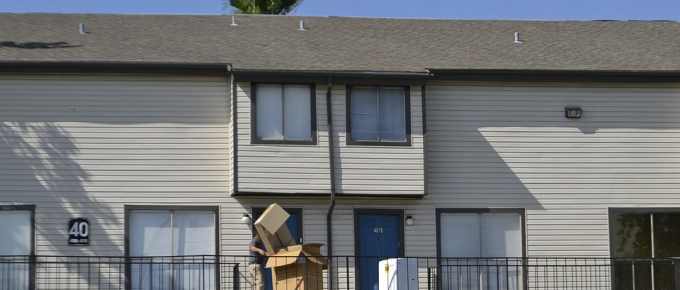 4 Tips to Make Moving Out Easy-Breezy