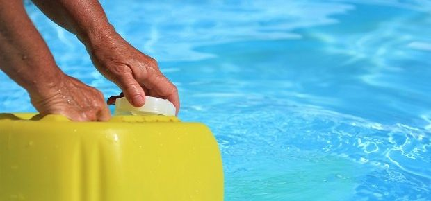 A Buyer's Guide on Getting the Best Pool Shock