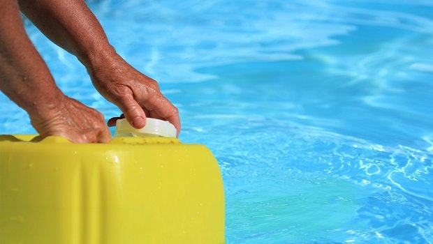 image - A Buyer's Guide on Getting the Best Pool Shock