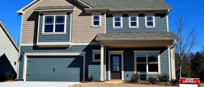 How to Choose the Best Roll-Up Garage Door for Your Home