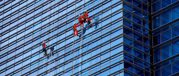 What do Professional Window Cleaners Use to Clean Windows?