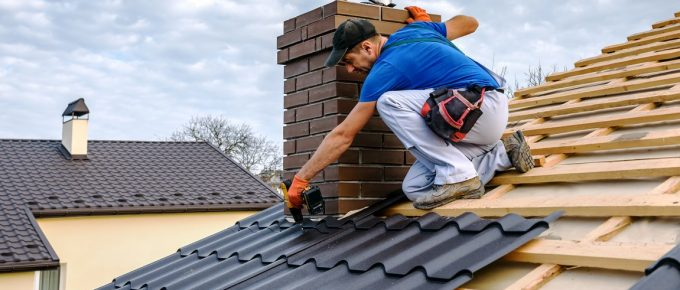 5 Signs It's Time to Call a Roofing Contractor