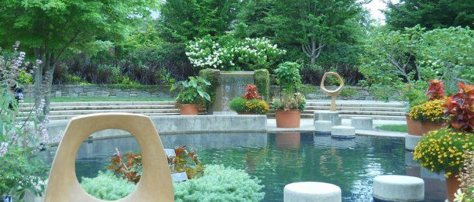 Creative Ways You Can Decorate Your Backyard Pool