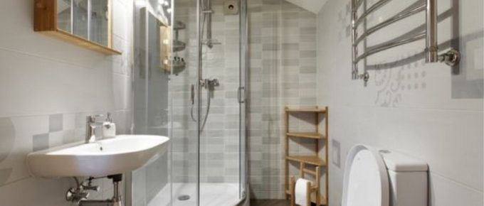 How To Avoid a Cramped Up Feel in A Small Bathroom?