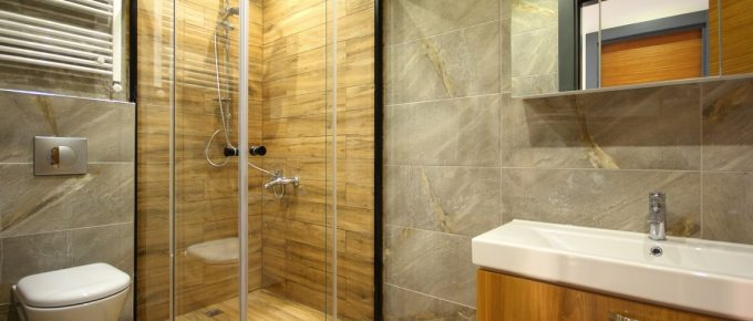 Which Glass Shower Door Is Best for Your Home?