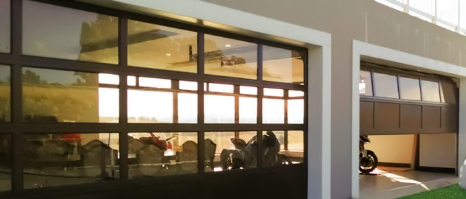 How to Find the Best Commercial Garage Doors for Your Commercial Product?