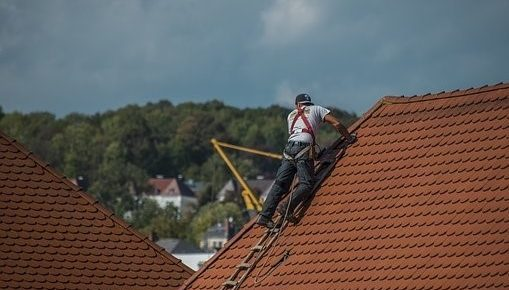 Seven Important Reasons Why You Should Hire a Professional Roofer [Los Angeles]