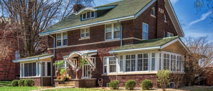 How to Pick the Right Exterior Window Styling for your Home