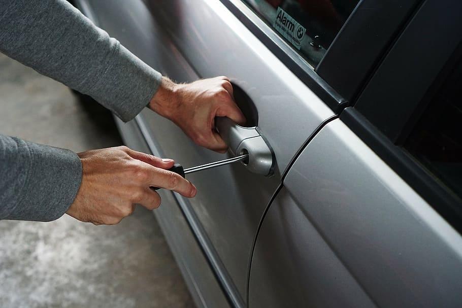 image - How Does a Locksmith Make a Car Key?